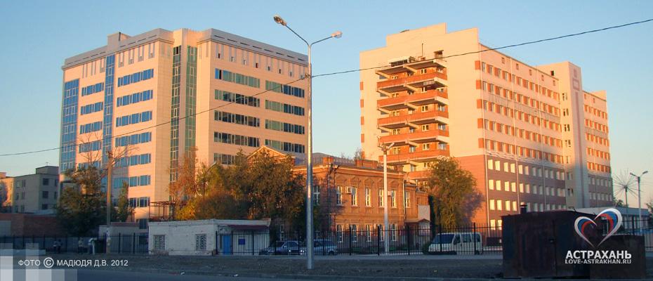 Адреса больниц калининский район